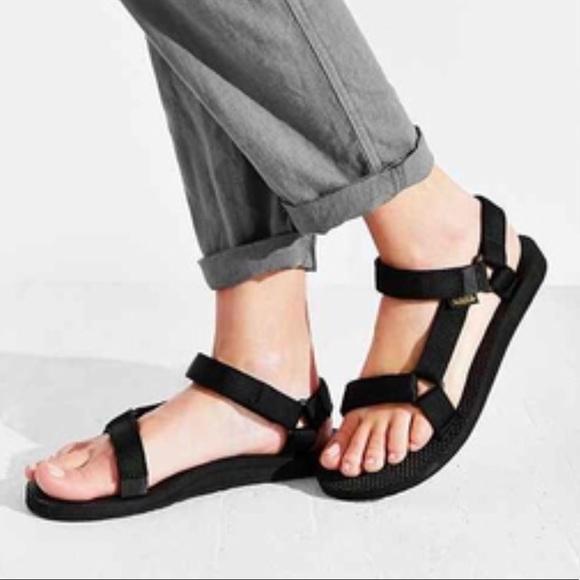 79614844c01723 Black Original Women s Teva Sandal. M 5b6e1d5b81bbc816749279f6